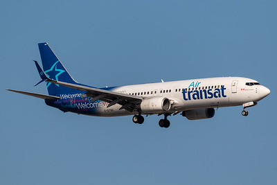 Air Transat B737-800 (C-GTQC)