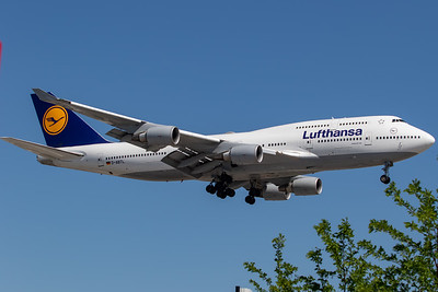 Lufthansa B747-400 (D-ABTL)