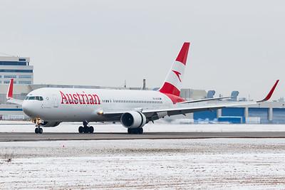 Austrian Airlines B767-300ER (OE-LAE)