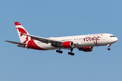 Air Canada Rouge B767-300 (C-GEOU)