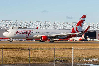 Air Canada Rouge B767-300 (C-FMWQ)_002