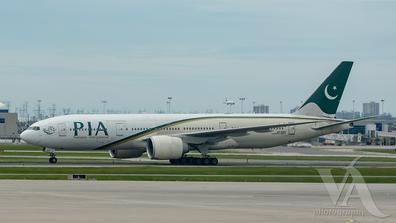 Pakistan International Airlines B777-200 (AP-BGY)