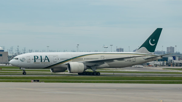 Pakistan International Airlines B777-200 (AP-BGY)