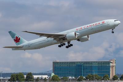 Air Canada B777-300 (C-FIUL)-2