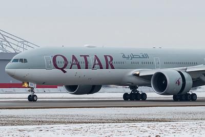 Qatar Airways B777-300ER (A7-BEU)-2