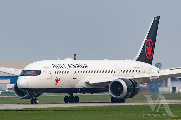 Air Canada B787-8 (C-GHPQ)