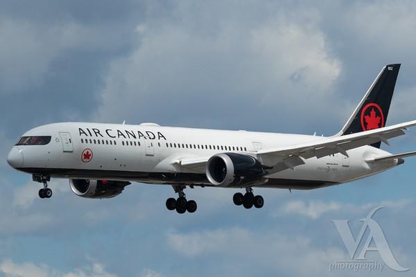 Air Canada B787-9 (C-FSBV)_A0087