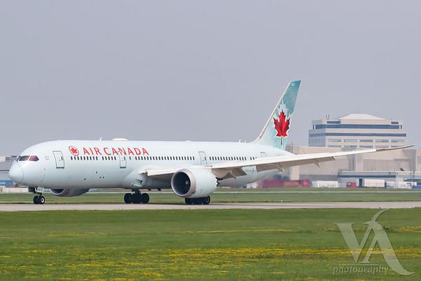 Air Canada B787-9 (C-FGDZ)