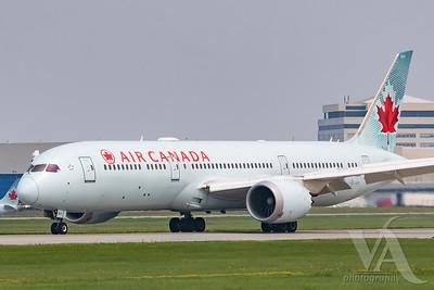 Air Canada B787-9 (C-FPQB)