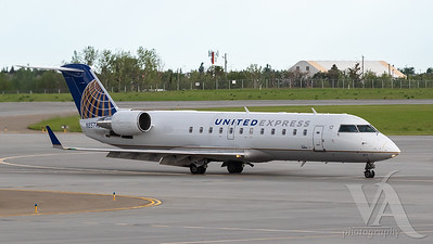 United Express CRJ-200 (N827AS)