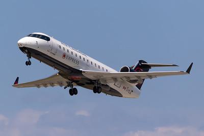 Air Canada Express CRJ-200 (C-FDJA)