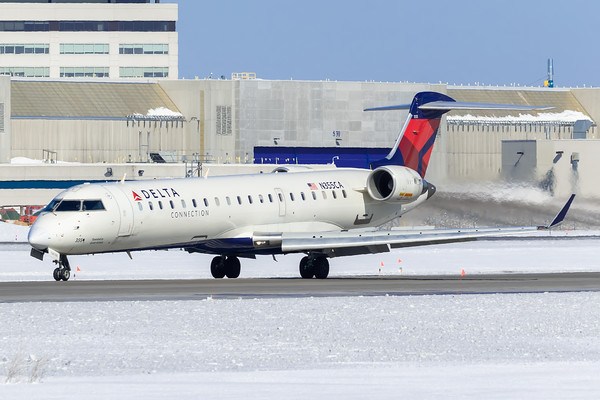 Delta Connection CRJ-700 (N355CA)