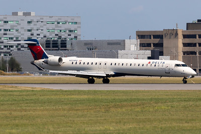 Delta Connection CRJ-900 (N329PQ)