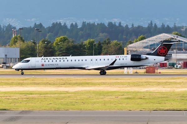 Air Canada Express CRJ-900 (C-FJZD)
