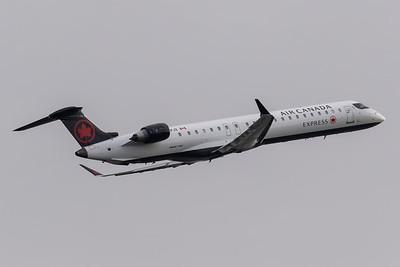 Air Canada Express CRJ-900 (C-GPJZ)