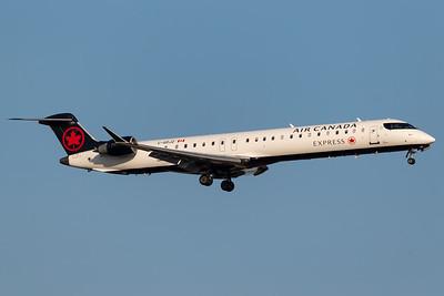 Air Canada Express CRJ-900 (C-GDJZ)