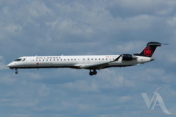 Air Canada Express CRJ-900 (C-FKJZ)_A0087