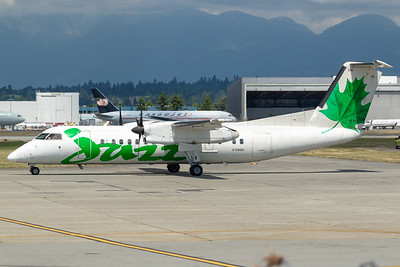 Air Canada Express Dash 8-300 (C-FSOU)