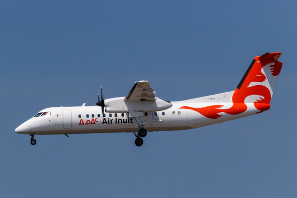 Air Inuit Dash 8-300 (C-FEAI)