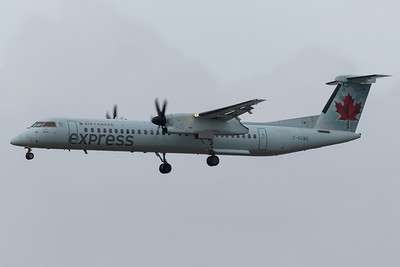 Air Canada Express Dash 8-400 (C-GGMQ)