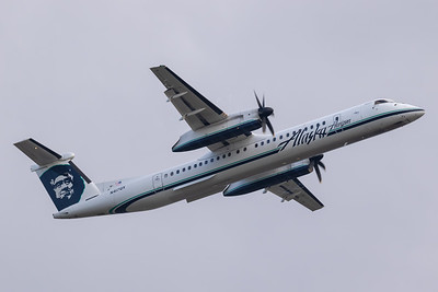 Horizon Air Dash 8-400 (N417QX)