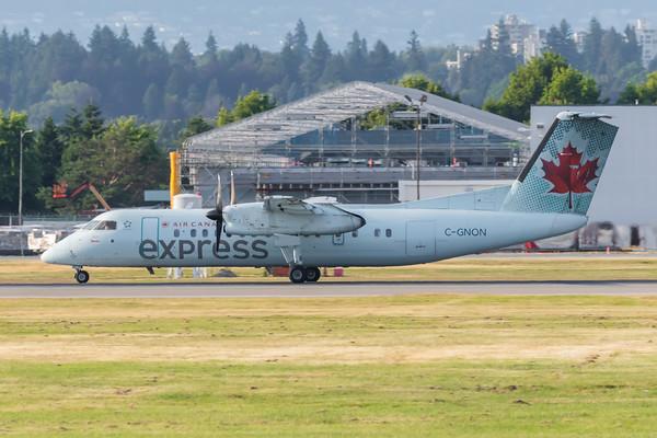 Air Canada Express Dash 8-300 (C-GNON)-2