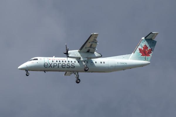 Air Canada Express Dash 8-300 (C-GNON)