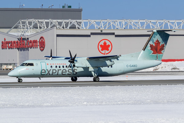 Air Canada Express Dash 8-300 C-GABO)