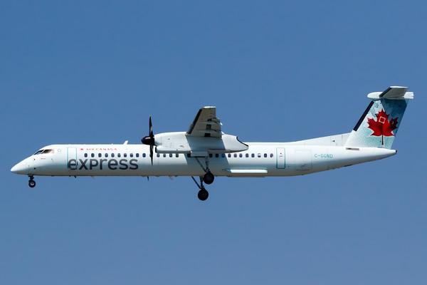 Air Canada Express Dash 8-400 (C-GGND)