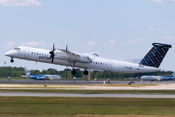 Porter Dash 8-400 (C-GLQD)-2