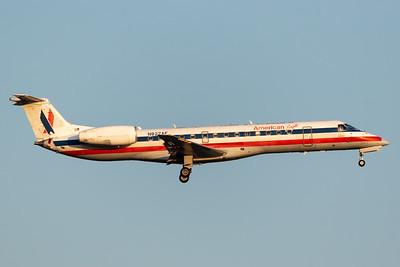 American Eagle ERJ-135 (N827AE)