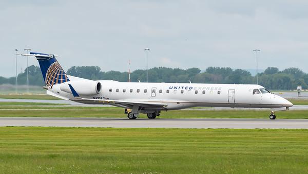 United Express ERJ-145XR (N12172)