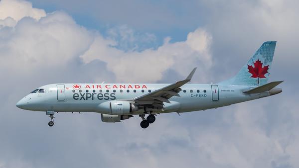 Air Canada Express EMB-175 (C-FEKD)
