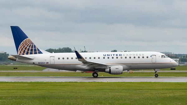 United Express EMB-175 (N110SY)