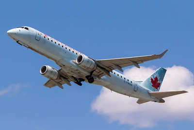 Air Canada EMB-190 (C-FMZD)-2