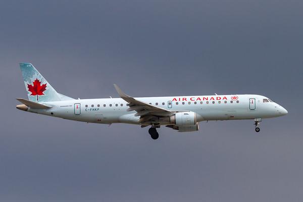 Air Canada EMB-190 (C-FHKP)-2