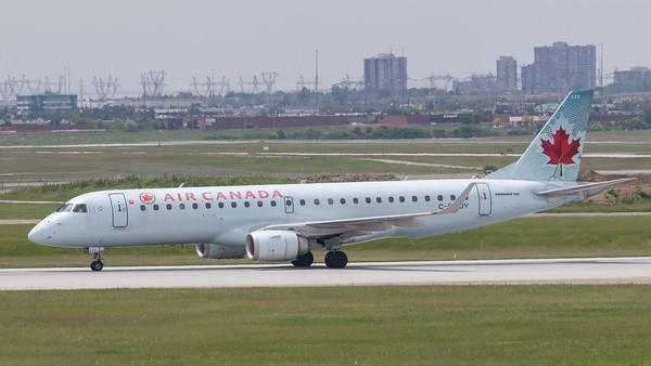 Air Canada EMB-190 (C-FHOY)