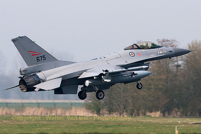 A Norwegian Air Force F-16AM (675; cn6K-47), photographed during landing (RWY05) at Leeuwarden Air Base (FF2014).
