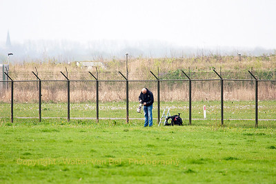 My friend - Hinry - in action at the fence of Leeuwarden Air Base (EHLW).