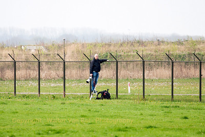 My friend - Hinry - in action, and waiting for the next arrivals, at the fence of Leeuwarden Air Base (EHLW).