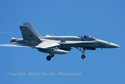 "Spanish Air Force EF-18M Hornet (C15-57/12-15; cn0830/A578) from ALA12, on final for RWY23 at Leeuwarden Air Base, at the end of another ""Frisian Flag 2015""-mission."