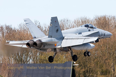 Spanish Air Force EF-18M Hornet (C15-60; 12-18; cn842/A582) from ALA12, recovering to Leeuwarden Air Base (RWY05), at the end of another Frisian Flag 2015 mission.