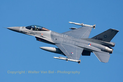 Royal Netherlands Air Force F-16AM (J-016; cn6D-172), nicely banking on take-off from RWY23 at Leeuwarden AFB, at the start of another FF2015 mission.