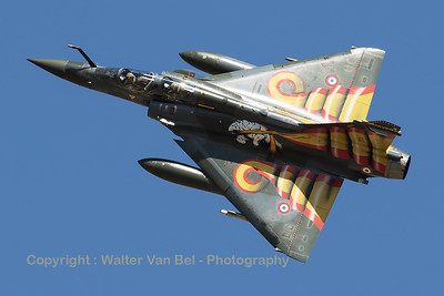 """French Air Force Mirage 2000D (30-JO; 627; cn429) from ECE 1/30 """"Côte d'Argent"""", seen here banking very hard to show her splendid special c/s for the Nato Tiger Meet 2016."""