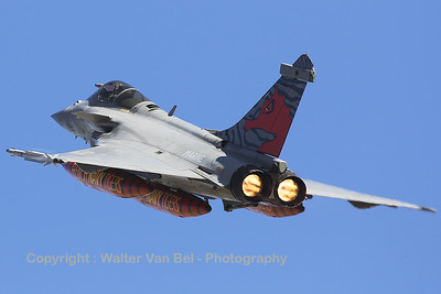 """The """"Navy Tiger"""" from 11F at BAN Landivisiau, a French Navy Rafale M (19), is seen here taking off in style during the spottersday for the NTM2016 at Zaragoza."""