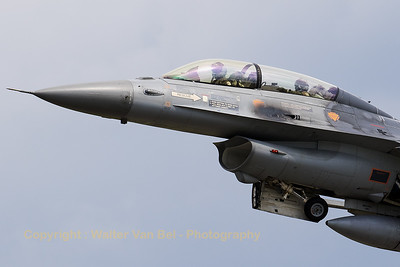 Close-up of a Belgian Air Force F-16BM (FB-24; cn6J24) during a touch-and go on RWY26R at Florennes AFB (Spottersday TWM2017).