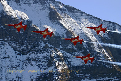 "Five ""Tigers"" (J-3088, cn L1088/1184) of the Patrouille Swiss in action above Axalp - near Meiringen AFB - during the 2005 show, against a marvelous background."