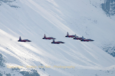 SwissAF_Patrouille_6x_F-5E_J-3084_Axalp_20051013_IMG_3375_WVB_1200px