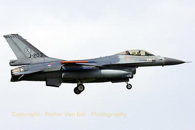 RNLAF_F-16AM_J-203_cn6D-110_323sq_EHLW_20090423_IMG_6497_WVB_1200px