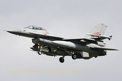 Royal Norwegian Air Force F-16AM (667), on final for RWY24 at Leeuwarden, after another mission during Frisian Flag 2012.